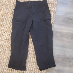 Lee's relaxed fit capri size 6 / medium